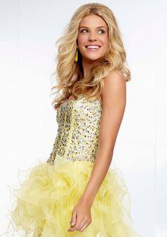 Style YAZFYJewel Beaded Bodice on Hi-Lo Ruffled Organza Gown  Corset Tie Back. Colors Available: Lemon Drop, Iced Pink, Light Aqua. Sizes Available: 0-24.  Precio :$1.179.750 Pesos Colombianos Precio : $ 655 Dolares Americanos