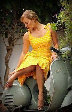 Vespa girls - scooters ...
