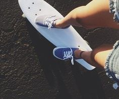 Something about vans and a pennyboard Board Skateboard, Penny Skateboard, Skateboard Girl, Skateboard Pictures, Skates, Surf Style, My Style, Tumblr Quality, Skate Girl