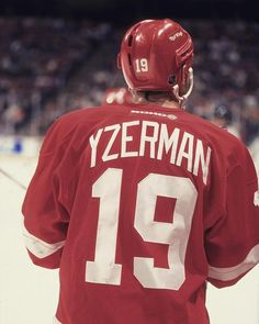 My favorite! Hockey Room, Youth Hockey, Ice Hockey Teams, Hockey Stuff, Detroit Hockey, Detroit Sports, Detroit Michigan, Steve Yzerman, Red Wings Hockey