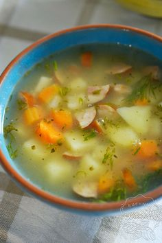 Kartoflanka to zupa ziemniaczana, która jest bardzo łatwa w przygotowaniu, sycąca oraz aromatyczna. Zupę ziemniaczaną zrobicie z podstawowych składników. Quesadilla, Cheeseburger Chowder, Food And Drink, Quesadillas, Avocado Quesadilla