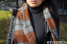 ŠÁL Z JAHŇACEJ VLNY – SIVO-ORANŽOVÝ | PODDEKOU Wool Scarf, Plaid Scarf, Scarves, Fashion, Scarfs, Moda, Fashion Styles, Fashion Illustrations