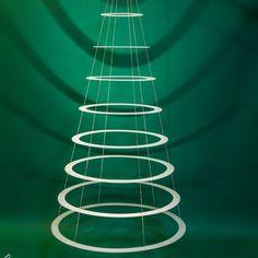 Contemporary Christmas Tree Decoration Ideas You'll Love it Christmas Tree Ring, Christmas Trees Online, Large Christmas Tree, Hanging Christmas Tree, Christmas Crafts For Gifts, Christmas In July, Xmas Tree, Christmas Tree Decorations, Christmas Diy