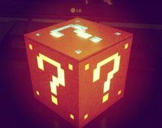 Luminária Mario - Cubo laranja adesivado