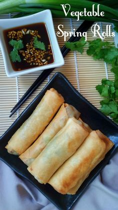 Vegetable Egg Rolls Vegetarian and vegan friendly delicious spring rolls with a savory dipping sauce. Great for an appetizer, snack, lunch, dinner, or whenever! Vegan Foods, Vegan Snacks, Vegan Dishes, Vegetable Egg Rolls, Vegetable Spring Rolls, Veggie Rolls, Vegan Appetizers, Appetizer Recipes, Italian Appetizers