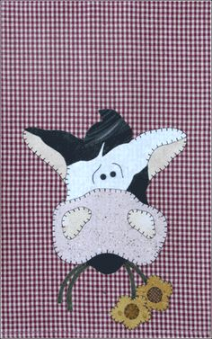 P12 Cow Patternlet from the Farm Animals Group by The Wooden Bear- fusible applique tea towel pattern using two tiny black buttons for the eyes. Applique Towels, Wool Applique Patterns, Applique Templates, Applique Quilts, Applique Designs, Quilt Patterns, Owl Templates, Quilting Projects, Sewing Projects
