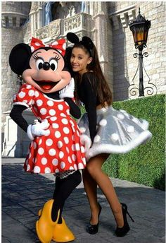 Ariana Grande and Minnie Mouse in Dineyland 2015