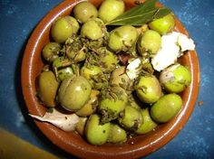 Aceitunas aliñadas Tapas Bar, Potato Salad, Food To Make, Appetizers, Fruit, Cooking, Ethnic Recipes, Popular, Gastronomia