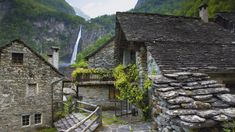 The spectacular Foroglio Waterfall can be seen from this quaint little town in Foroglio, Switzerland. Zermatt, Magic Places, Places To Visit, Into The Wild, Unusual Buildings, Beaux Villages, Mountain Village, Fishing Villages, All Over The World