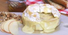 Recette Camembert Rôti Ricotta, Tapenade, Camembert Cheese, Brunch, Chips, Dairy, Smoothies Detox, Desserts, Recipes