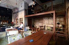 Birdsong Cafe / Studio Eight Twentythree  Nice lighting & mixing of materials.