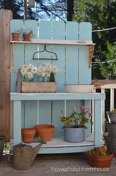 Shed Plans DIY Potting Bench Refresh for Summer time - Flower Patch Farmhouse Now You Can Build ANY Shed In A Weekend Even If You've Zero Woodworking Experience! Rustic Potting Benches, Pallet Garden Benches, Potting Tables, Farmhouse Bench, Farmhouse Garden, Farmhouse Landscaping, Garden Landscaping, Farmhouse Style, Pallet Potting Bench