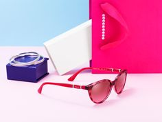 Go bold and stay classic with 2 Circles sunglasses. Rich in color 85358b1458b