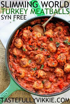 25 Delicious Slimming World Dinner Recipes - - Being on a diet doesn't mean just eating vegetables. Slimming World have recipes from Chinese chicken, to pitta pizza! 25 Slimming World Dinner Recipes. Slimming World Pasta, Slimming World Dinners, Slimming World Chicken Recipes, Slimming Eats, Slimming Recipes, Chicken Curry Slimming World, Slimming World Lunch Ideas, Slimming World Breakfast, Slimming World Plan