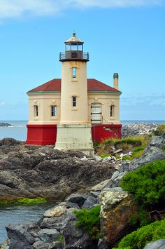 Lighthouse on the pacific coast by Perl Photography, via Flickr