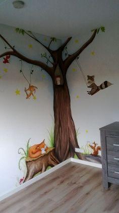 Muurschildering bosvriendjes Kids Room Murals, Tree Wall Murals, Murals For Kids, Kids Room Paint, Bedroom Murals, Boys Room Decor, Room Wall Painting, Mural Painting, Tree Bedroom
