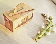10 Kraft Window Tote Bakery Boxes. $12.00, via Etsy.