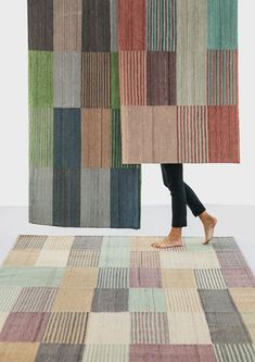 Designed by Raw Color for Spanish design house nanimarquina, the Blend 2 Rug plays with the visual perception of colours, with different hues merging before your eyes to create new colours. Available in two sizes, the statement flat-weave rug is expertly Solid Surface, Raw Color, Ancient Persian, Spanish Design, Unique Rugs, Design Studio, Tapestry Weaving, Hand Spinning, Scrappy Quilts