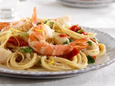 Looking for an authentic Italian recipe? Try Barilla's step-by-step recipe for Barilla® ProteinPLUS® Angel Hair with Bay Scallops, Shrimp & Arugula for a delicious meal! Buttered Shrimp Recipe, Cajun Shrimp Recipes, Best Seafood Recipes, Shrimp Recipes For Dinner, Barilla Recipes, Creamy Pasta Recipes, Healthy Pasta Recipes, Scallop Pasta, Arugula Recipes