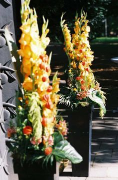 http://WWW.FLORICA.eu - Der Außenbereich darf schön aussehen, wenn das Brautpaar zur Trauung schreitet...