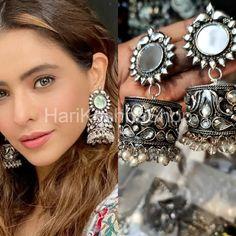Types Of Earrings, Big Earrings, Statement Earrings, Hoop Earrings, Ethnic Jewelry, Indian Jewelry, Silver Jewelry, Gold Jhumka Earrings, Beaded Earrings