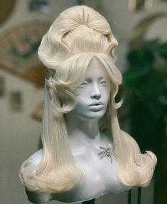 70s Disco Hairstyles, Fancy Hairstyles, Latest Hairstyles, Wig Hairstyles, Hair Inspo, Hair Inspiration, Wow Hair Products, Drag Wigs, Bouffant Hair