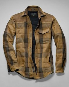 Jackets are a vital component to each and every man's set of clothes. Men need outdoor jackets for assorted situations as well as some climate conditions Rugged Style, Twill Shirt, Mens Flannel Shirt, Hooded Flannel, Flannel Jacket, Denim Shirts, Herren Outfit, Mode Outfits, Outdoor Outfit