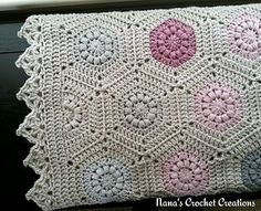 Puff Circle Hexagon Square blanket... Free pattern! ༺✿Teresa Restegui http://www.pinterest.com/teretegui/✿༻