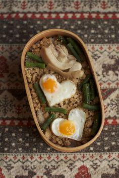 Quail Egg Heart & Chicken Bento Lunch 弁当
