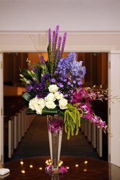 Beautiful combination of colors. Perfect for wedding lchurch arrangement.