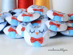 Dolgulu hazırladığım keçe baykuş bebek şekeri modellerim. Kız ve erkek bebek annnelerinin doğum magneti olarak hediye edebileceği güzel ürünler...