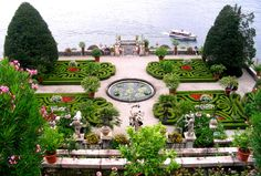 The Palace of Isola Bella on Lake Maggiore. Garden Art, Garden Design, Gardens Of The World, Palace Garden, Most Beautiful Gardens, Palawan, Beach Fun, Beautiful Islands, Italy Travel
