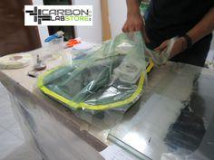 Instalación de la valvula de vacío. Para mayor información, visita: www.carbonlabstore.com