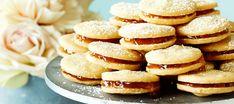 Herrasväen pikkuleivät   Makeat leivonnaiset   Reseptit – K-Ruoka Cookie Bars, Deserts, Food And Drink, Bread, Cookies, Baking, Breakfast, Sweet, Party