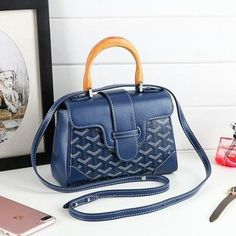 c90a52efcd73 Shape  Casual Tote Main Material  Genuine Leather Cow Leather Handbags  Type  Shoulder Bags Types of bags  Shoulder Bags Lining Material  Polyester  Number of ...
