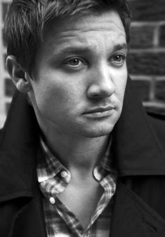 Jeremy Renner | D.O.B 7/1/1971 (Capricorn)  FALSE:: His birthday is Jan 7.  And July is Cancer, not Capricorn. January is, however.  Sheesh...