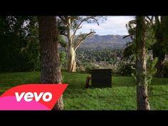 Rihanna nuda e violenta nel video di Bitch Better Have My Money. Rihanna, Mads Mikkelsen, New Music, Good Music, Bitch, Pop Rock, My Money, My Favorite Music, Music Videos