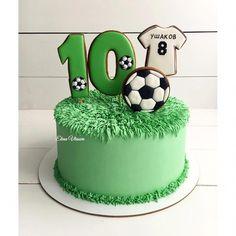 Raspberry cake and its verrine - HQ Recipes Football Birthday Cake, Soccer Birthday Parties, Birthday Cakes For Men, Football Cakes For Boys, Cupcakes, Cupcake Cakes, Sport Cakes, Soccer Cakes, Soccer Ball Cake