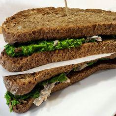 Sandwich con salsa verde e acciughe - sandwich, salsa, salsa verde, acciughe, panino, healthy food...