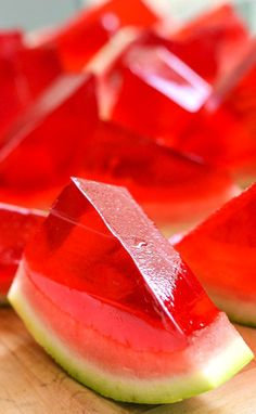 How to turn an entire watermelon into one giant Jell-O shot ~ XXL Watermelon Jell-O Shots