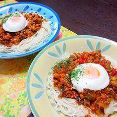半熟卵が少し固くなったけど、うまー♡ - 16件のもぐもぐ - ミートソース素麺 by aurorakumi