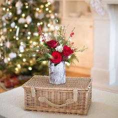 great vancouver florist Pick up something fresh and festive from @floralista at #shopsweetchristmas❤️ December 5th 10am-4pm @yellowhoneyhouse by @shopsweetchristmas  #vancouverflorist #vancouverflorist #vancouverwedding #vancouverweddingdosanddonts