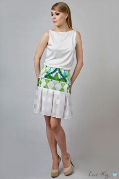 Fresh summer jungle skirt by Land Kay. 40% Silk, 60% Cotton; 100% Silk. Please leave a request through http://landkay.com/en/lookbook.php