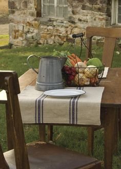Add distinctive character to any tabletop with this Farmer's Market Placemat inspired by antique European grain sacks. Shop at heritagelace.com. #eco-friendly #fall #tablescapes