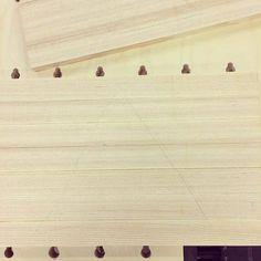 Liimalevyiksi. #puuseppä #puuala #osao #opiskelu #woodworking #woodwork #joinery #carpenter #design #studing #ash #saarni http://ift.tt/2ggbv3a