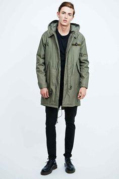 Parka Stay de Cheap Monday, 200€. Sélection des vestes pour affronter l'automne avec style - TheChemistry