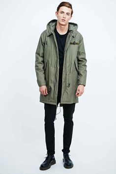Alpha Industries Vintage Fishtail Parka in Green - Urban ...
