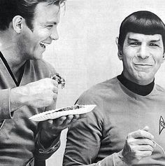 this pic. Capt James T. Kirk and Mr. Spock from Star Trek Science Fiction Series. (William Shatner and Leonard Nimoy) I didn't think Vulcans ever smiled! Star Trek Enterprise, Star Trek Voyager, Star Trek Tos, Star Wars, Star Trek Spock, Leonard Nimoy, William Shatner, Orange Cinema, Star Treck
