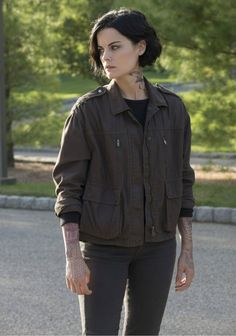Pictures & Photos of Jaimie Alexander – IMDb - Makeup Jessica Rothe, Lady Sif, Jaimie Alexander, Film Serie, Cotton Jacket, Celebs, Celebrities, Celebrity Hairstyles, Picture Photo