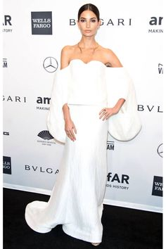 Angelic indeed! Victoria's Secret model Lily Aldridge wears a white, off-the-shoulder Rosie Assoulin dress for the amfAR New York Gala Lily Aldridge, Celebrity Red Carpet, Celebrity Dresses, Celebrity Style, Red Carpet Gowns, Celebs, Celebrities, Red Carpet Fashion, Nice Dresses